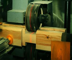 Обработка бруса камерной сушки на станке